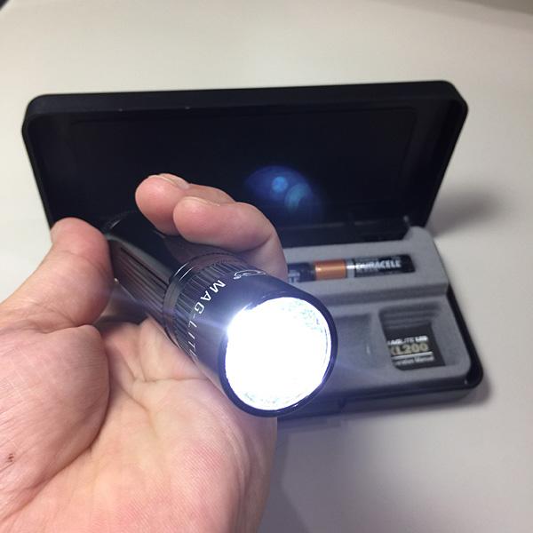 LED懐中電灯 ミニマグライト XL200